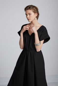 Black classic dress with A-line skirt. Sustainable Clothing Brands, Sustainable Fashion, Sustainable Style, Party Outfits For Women, Minimalist Dresses, Fair Trade Fashion, Evening Outfits, Green Fashion, Minimal Fashion