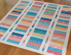 Layer Cake Coin Quilt - She Quilts Alot - - Simple quilts, they're fun, fast and they sure make for a quick fix pro­ject! When I first saw Sherri McCon­nell…. Layer Cake Quilt Patterns, Layer Cake Quilts, Jelly Roll Quilt Patterns, Quilt Patterns Free, Layer Cakes, Easy Patterns, Free Pattern, Baby Quilts Easy, Baby Girl Quilts