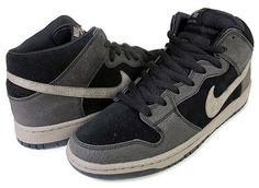 2569d0bfee8 Nike SB Dunk Mid - Black   Iron