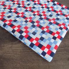 Coupon  de tissu coton  motif carrée multicolore