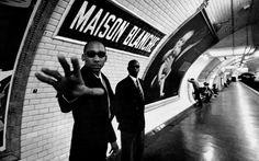 Janol Alpin - Il prend au pied de la lettre le nom des stations de métro pour créer des photos hilarantes