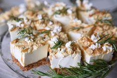 Kodin Kuvalehti – Blogit | Ruususuu ja Huvikumpu – Täydellinen suolakinuski-juustokakku valmistuu helposti uunivuokaan Feta, Cheese, Baking, Party, Drink, Beverage, Bakken, Parties, Backen