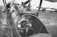 BRITISH AIRCRAFT FIRST WORLD WAR (Q 67871)   Cockpit of a Royal Aircraft Factory S.E.5 single-seat fighter biplane.