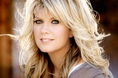 Christian Grammy Nominee Natalie Grant Walks Out of the Grammys Medium Hair Styles, Short Hair Styles, Christian Singers, Christian Music, Christian Women, Layered Hair, Great Hair, Cut And Color, Pretty Hairstyles