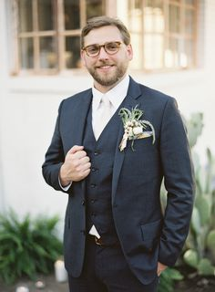 Gray suit & vest #groom #weddingday // Leslie Herring Events // Brett Heidebrecht Photography