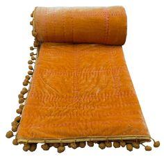 Velvet Bedspread, Velvet Quilt, Gold Comforter, Green Quilt, Twin Quilt, Green Velvet, Baby Quilts, Light In The Dark, Comforters