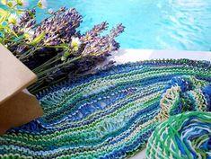 Szellő. Extravékony pamut fonal, igazi nyárifonal a Tahiti fonalcsalád rövidszínátmenetes tagja. Tahiti, Blanket, Rugs, Crochet, Home Decor, Farmhouse Rugs, Decoration Home, Room Decor, Ganchillo
