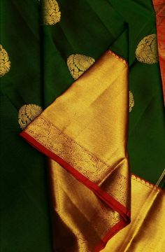 Shop online for Green Handloom Kanjeevaram Pure Silk Saree Kanjivaram Sarees Silk, Kanchipuram Saree, Pure Silk Sarees, Saree Blouse Neck Designs, Saree Blouse Patterns, Wedding Silk Saree, Bridal Lehenga, Designer Blouse Patterns, Green Saree