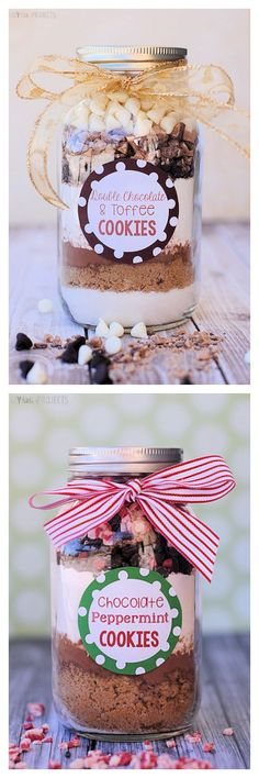 Cookie Mix in a Jar Gift Idea Two great cookies in a jar recipes: double chocolate toffee and chocolate peppermint.Two great cookies in a jar recipes: double chocolate toffee and chocolate peppermint. Mason Jars, Mason Jar Cookies, Mason Jar Meals, Mason Jar Gifts, Meals In A Jar, Cookies In A Jar, Gift Jars, Recipe For Cookie In A Jar, Gifts In Jars