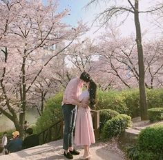 Find images and videos about couple and ulzzang on We Heart It - the app to get lost in what you love. Cute Couple Pictures, Love Couple, Beautiful Couple, How Beautiful, Couple Photos, Couple Ulzzang, Couple Goals Cuddling, Matching Couple Outfits, Asian Love