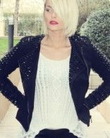 Veste en cuir et clous portée par Caroline Receveur #LeMag