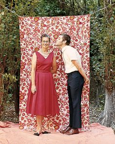 photobooth of various fabric patterns that are hung from a clothesline. Guests choose their backdrop! make some sort of photobooth! Photo Booth Backdrop, Photo Props, Photo Backdrops, Wedding Photo Booth, Wedding Photos, Photos Booth, Martha Stewart Weddings, Cute Photos, Real Weddings
