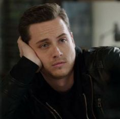 Chicago Movie, Chicago Med, Chicago Crossover, Jay Halstead, Jesse Lee, Taylor Kinney, Wattpad, Celebrity Crush, Tv Shows
