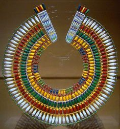 Broad Beaded Collar (ancient Egyptian necklace of faience beads).obviously not Egyptian Revival as it's the real deal. This design has spawned countless Egyptian Revival jewelry collections. Egypt Jewelry, Jewelry Art, Jewellery, Jewelry Accessories, Ancient Egyptian Jewelry, Ancient Egyptian Costume, Kairo, Thinking Day, Ancient Artifacts