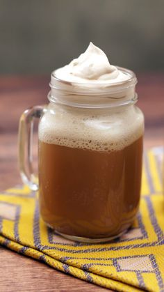 Harry Potter Butterbeer : Made with rich butterscotch flavors and topped with caramel whipped cream, this is one magical treat. Made with rich butterscotch flavors and topped with caramel whipped cream, this is one magical treat. Harry Potter Party Food, Harry Potter Desserts, Harry Potter Drinks, Harry Potter Birthday, Harry Potter Butterbeer, Harry Potter Beer, Harry Potter Recipes, Harry Potter Treats, Parmesan Chips