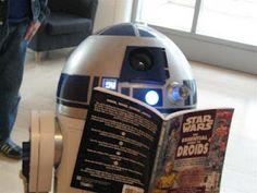 R2D2 reads Star Wars
