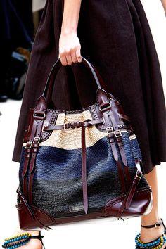 Burberry Prorsum Spring 2012 Ready-to-Wear Fashion Show Details Fashion Handbags, Tote Handbags, Purses And Handbags, Leather Handbags, Tote Bags, Burberry Prorsum, Prada, Sacs Design, Gucci