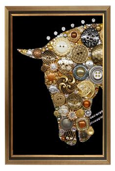 If you want to buy or collect vintage costume jewelry, learn what to look for and where to look. There is something for who is interested in vintage jewelry. Costume Jewelry Crafts, Vintage Jewelry Crafts, Recycled Jewelry, Recycled Art, Jewelry Christmas Tree, Jewelry Tree, Diy Jewelry, Jewelry Making, Jewlery