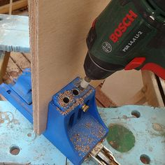 laptop stand bosch drill driver with kreg pockethole jig