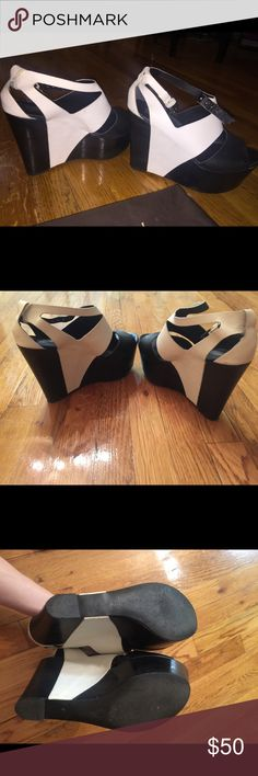 Report Signature platform sandals. Wore them a few times, almost new, leather platform wedge sandals Report Signature Shoes Platforms