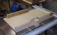 Scrap Wood Projects For Beginners – WoodworkeRealm Table Saw Sled, Table Saw Jigs, Sled Pictures, Cross Cut Sled, Woodworking Jigs, Projects, Tools, House, Home Decor