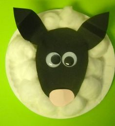 Lamb paper plate craft from: http://easypreschoolcraft.blogspot.com/2012/04/paper-plate-spring-lamb-craft.html