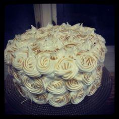 Cake with italian meringue