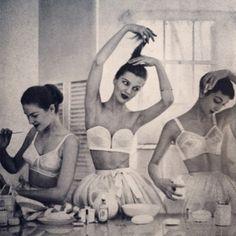 1920 dancers backstage