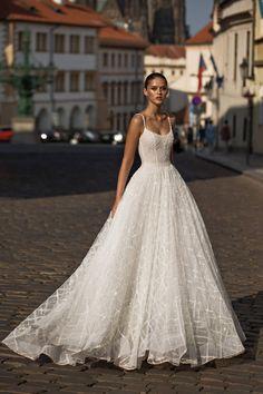 A(z) 15018 legjobb kép a(z) ○□Clothes dresses fashion□○ táblán ... 83e6db5e8c