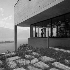 Via promenadearchitecture Diener House, Luigi Snozzi, Ronco, Switzerland – Interior Design Addict Luigi, Mid Century House, Bauhaus, Switzerland, Architecture Design, Concrete, Sidewalk, Villa, Interior Design