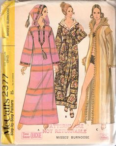 RETRO Robe Hostess Gown Caftan Beach BURNOOSE Pattern Easy To Sew McCalls 2377 Size Medium Bust 32 - 34 Vintage Sewing Pattern -Authentic vintage sewing patterns: This is a fabulous original dress making pattern, not a copy. Because the sewing Mccalls Patterns, Vintage Sewing Patterns, Clothing Patterns, Dress Patterns, Sewing Designs, Costura Vintage, Moda Vintage, Vintage Outfits, Vintage Fashion