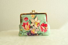 Novelty floral Frame purse in light green
