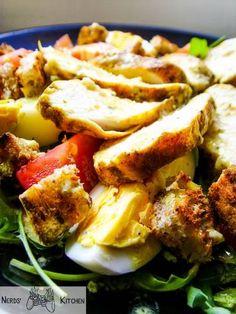 Sałatka nie musi być nudna i mało syta – w naszej propozycji znajdziecie zarówno bogate smaki, jak i sporo pożywnego białka. Soczysty kurczak, wyrazista rukola ...