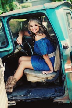 51 ideas for cars photography ideas country girls Truck Senior Pictures, Senior Photos Girls, Senior Girls, Vintage Senior Pictures, Country Girl Photography, Senior Girl Photography, Vintage Photography, Photography Ideas, Wedding Photography