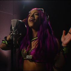 Sasha Banks in the studio! Black Wrestlers, Wwe Female Wrestlers, Mercedes Kaestner Varnado, Wwe Sasha Banks, Raw Women's Champion, Wrestling Divas, Wwe Womens, Boss, Sexy Women