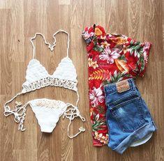 morena-na-lua: hipsteroutfiits: Beach Outfit: White Bikini Hawaiian T-Sh Luau Outfits, Beach Party Outfits, Party Outfits For Women, Hawaii Outfits, Bikini Outfits, Girls Summer Outfits, Girl Outfits, Hipster Shirts, Hipster Outfits