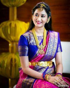 Wedding Saree Blouse Designs, Pattu Saree Blouse Designs, Half Saree Designs, Blouse Designs Silk, Designer Blouse Patterns, Wedding Sarees, Long Dress Design, Stylish Blouse Design, Antique Jewelry