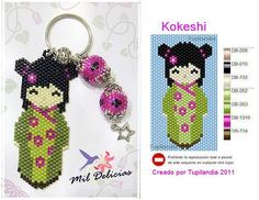 Make your own Little Kokeshi Keychain with this pattern. Seed Bead Patterns, Peyote Patterns, Loom Patterns, Beading Patterns, Beading Projects, Beading Tutorials, Beaded Banners, Beading Techniques, Peyote Beading