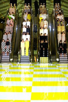 Daniel Buren Louis Vuitton spring summer 2013 catwalk show set (Vogue.com UK)