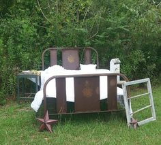 Absolutely stunning antique metal bed farm house by BurlapNRoses, $775.00