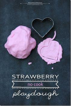 Strawberry No Cook Playdough | @mamamissblog #sensory #simpleactivity #playdough