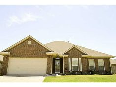 Single Family, Traditional - Yukon, OK Great home in cul-de-sac. Private master suite, large living room, open kitchen club, Study or 4th bed. Fresh paint throughout. Home is wired for surround sound. Fridge is currently negotiable.