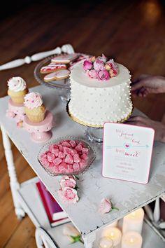 Single Tiered Wedding Cakes | Bridal Musings Wedding Blog