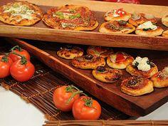 Recetas   Pizzetas fritas   Utilisima.com Bruschetta, Baked Potato, Appetizers, Potatoes, Cooking Recipes, Baking, Ethnic Recipes, Cold, Ethnic Food