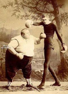 Vintage photography - comedic pugilists?