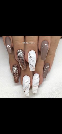 Marmor und neutral - Nails - - The most beautiful nail designs Neutral Nail Designs, Marble Nail Designs, Neutral Nails, Nail Art Designs, Nails Design, Fancy Nails, Trendy Nails, Love Nails, My Nails