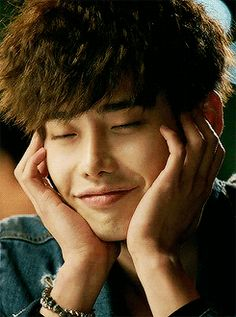 1k mgif lee jong suk doctor stranger siangying idk you folow me here or not but look sorry idk i colouring