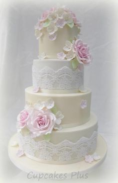 Pink roses and lace wedding cake - Cake by Janice Baybutt