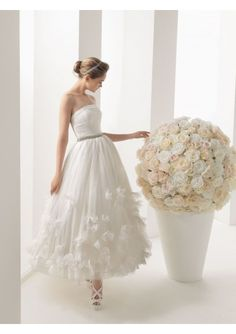 Strapless Pleated Bodice with Beads and Sequins Decoration on the Waist part Short A-line Skirt #Wedding #Gown