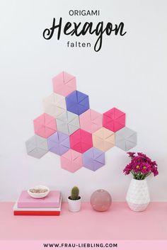 DIY aus Papier: Origami Hexagone falten als Wanddeko DIY wall decoration made of paper itself: foldi Diy Wall Decor, Decor Crafts, Diy And Crafts, Room Decor, Diy Origami, Origami Paper, Diy Paper, Paper Crafts, Stationery Paper